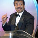 Dr. Neil deGrasse Tyson fala sobre 2012 e explica sobre o alinhamento galáctico