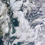 A Terra vista do Espaço: a Inglaterra (quase) 100% coberta de neve!