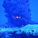 Incríveis imagens do vulcão Eyjafjallajokull na Islândia capturadas pelo astrônomo Snaevarr Gudmundsson