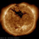 SDO: Solar Dynamics Observatory mostra detalhes de um buraco coronal, fonte do vento solar