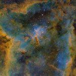 IC 1805: Formatos fantásticos na Nebulosa do Coração revelados por Derek Santiago