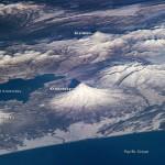 A Terra vista do Espaço: astronautas da ISS fotografam os vulcões da península de Kamchatka