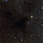 LDN 483: onde foram parar as estrelas? Nuvem escura obscurece estrelas do campo de fundo