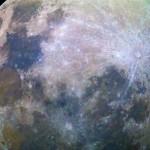 A Lua Cheia colorida e a Estação Espacial Internacional