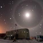 Um raro halo lunar sobre a Antártica por LI Hang