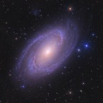 A brilhante M81 por Ken Crawford