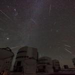 Chuva de meteoros Geminídeos sobre o Monte Paranal por Stéphane Guisard
