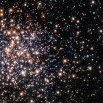 Terzan 5: astrônomos do ESO descobrem relíquia fóssil rara da Via Láctea primordial